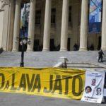 Rio de Janeiro - Protesto pede  manutenção das prisões  do presidente da Alerj, Jorge Picciani e dos deputados estaduais Paulo Melo e Edson Albertassi, ambos do PMDB (Fernando Frazão/Agência Brasil)