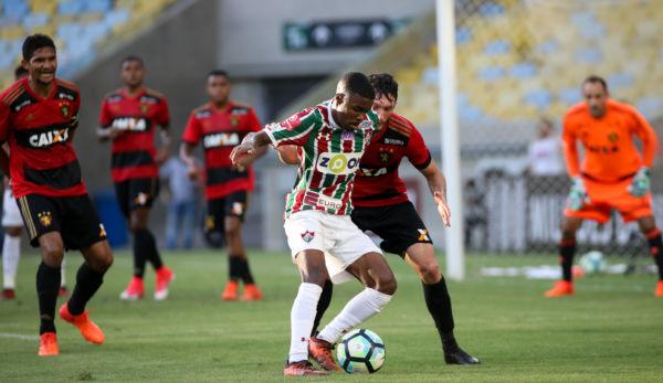 Sport aproveitou o nervosismo do Fluminense e chegou a desperdiçar algumas boas oportunidades de ampliar o placar (Foto: LUCAS MERÇON/FLUMINENSE F.C.)