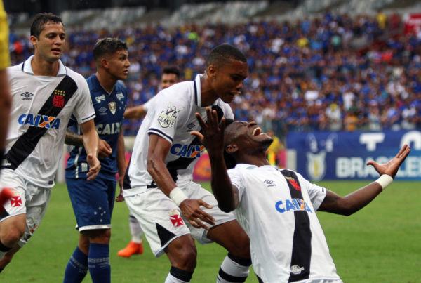 Vitória: Com gol de Paulão, Vasco quebrou um jejum de 17 anos sem vencer a Raposa (Foto: Carlos Gregório Jr/Vasco.com.br)