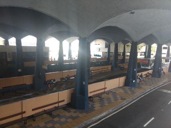 Vazio: Rodoviária Francisco Torres, no Centro, de Volta Redonda, não registrou mudanças na procura por passagens (Foto: Franciele Bueno)