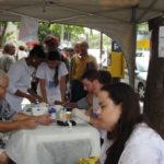 Alerta: Ação aconteceu na Vila Santa Cecília, em Volta Redonda, e orientou quem passou pelo local (Foto: Franciele Bueno)