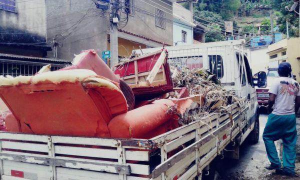 Limpeza: Caminhões carregados com lixo e entulhos foram retirados durante feriado prolongado; serviço será intensificado em todos os bairros (Foto: Divulgação/Secom VR)