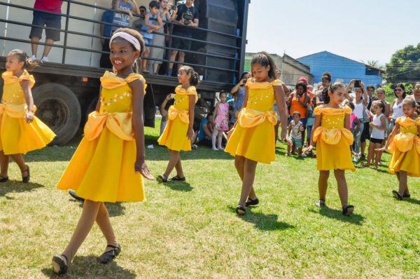Ensaios: Aproximadamente 500 bailarinos participarão dos espetáculos (Foto: Divulgação)