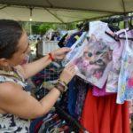 Na praça: Trabalhos de artesãos de Volta Redonda foram expostos neste fim de semana (Foto: Evandro Freitas/Secom)