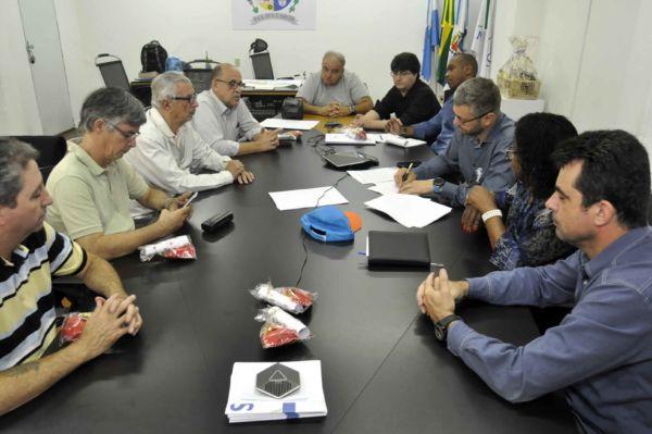 Parceria no ensino: De acordo com o prefeito Rodrigo Drable, a parceria com o UBM incentiva a população a investir mais na educação (Foto: Paulo Dimas)