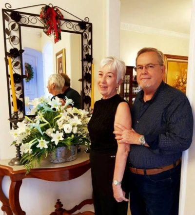 O casal 'restauranteur' José Osório e Angélica São Thiago, apresentando seu Bistrô Casa Antiga