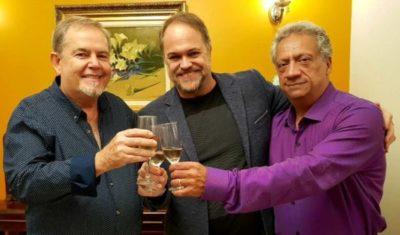 O Secretário de Desenvolvimento e Turismo, Joselito Magalhães e este colunista num brinde com o 'restauranteur' José Osório