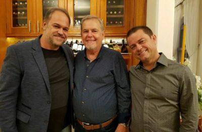 José Osório recebendo o Secretário de Desenvolvimento e Turismo, Joselito Magalhães e o prefeito de Piraí, Luiz Antônio
