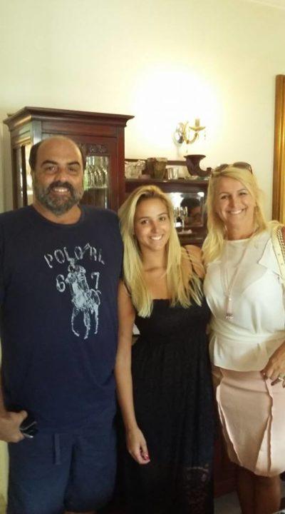 O empresário Roberto Loureiro com Duda Loureiro e Viviane Martins Loureiro, no Bistrô Casa Antiga