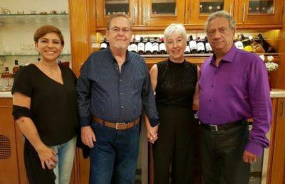 José Osório e Angélica São Thiago recebendo Cátia Vianna e este colunista
