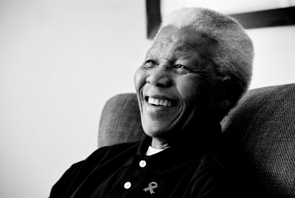 Exemplo: Nelson Mandela governou um dos países onde o preconceito racial era mais arraigado e conseguiu unir o povo (Foto: Reprodução internet)