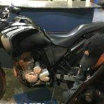 Moto apreendida tinha sido roubada em março (Foto: Cedida pela PM)