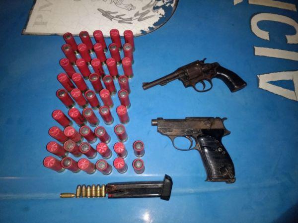 Material apreendido pela PM em Resende após troca de tiros com suspeito de tráfico (foto: Cedida pela PM)