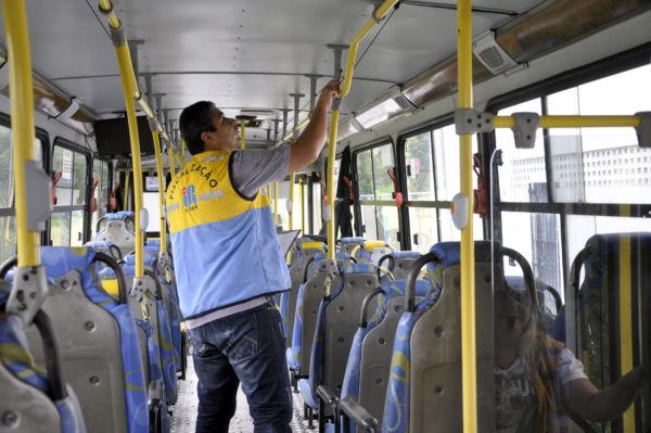 Nas ruas: Verificação visa garantir segurança e conforto no transporte coletivo (Foto: Geraldo Gonçalves/SecomVR)