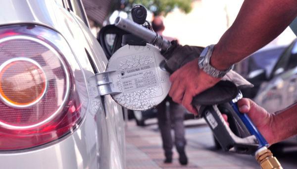 Gasolina em Volta Redonda é mais cara que a média em Cuba e no Chile
