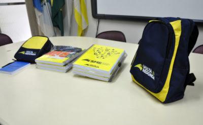 Kit Escolar: Cada estudante irá receber um kit com cadernos, agenda, lápis, borracha, régua, lápis de cor, tesoura, estojo e apontador - Secom/VR