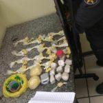 Mulher é presa acusada de armazenar drogas para tráfico