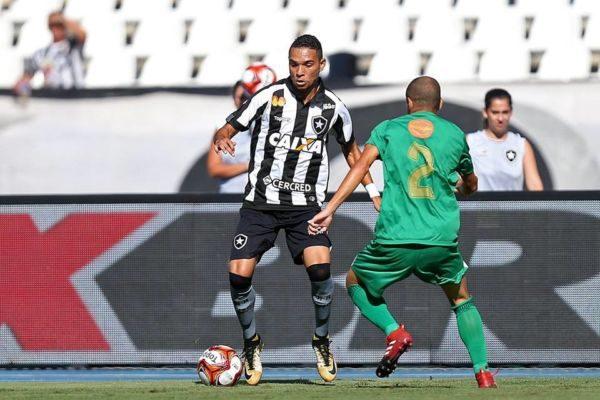 Avança: Botafogo jogou para cima mesmo ainda sentindo falta de ritmo