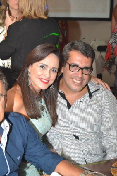 Os empresários do mundo fashion, Vanessa de Ávila Marcelino Barbosa e Eduardo Ayres Barbosa, no CarnáFolia