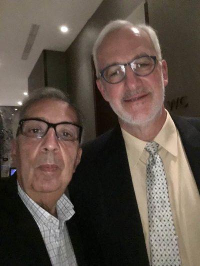 Em Miami: O médico José Eugênio Millen de Matos num reencontro com o médico e professor  Laurence Klotz