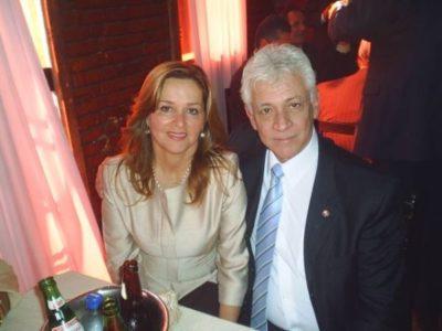 A advogada Vera Bitencourt (aniversariante do dia) com seu amado, o Desembargador de Justiça do Estado do Rio, Dr. Antônio Carlos Bitencourt