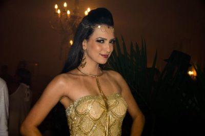 A advogada e modelo Larissa Amitti, nos salões do CarnáFolia