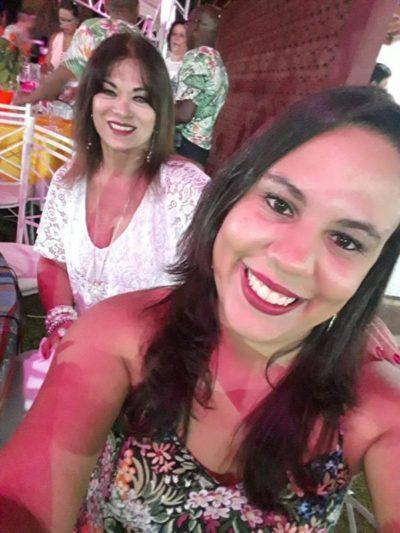 Rachel Roberto Rondon Richieri e Júlia Richieri, no Réveillon Tropical