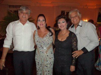 Revival: Os estilistas Ruy Dantas e Alexandre Dantas, Valéria Dantas e Elisabete Facuri Pires da Luz, em noite de Carná Folia