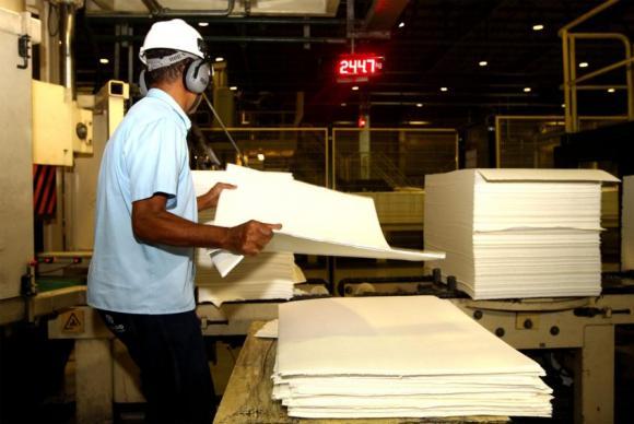 IBGE faz levantamento que mapeia situação industrial do país