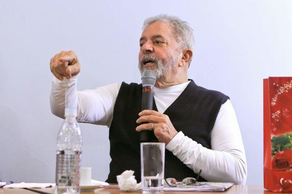 Pivôs: Mesmo fora da disputa presidencial, Lula e o PT terão muito peso em outubro