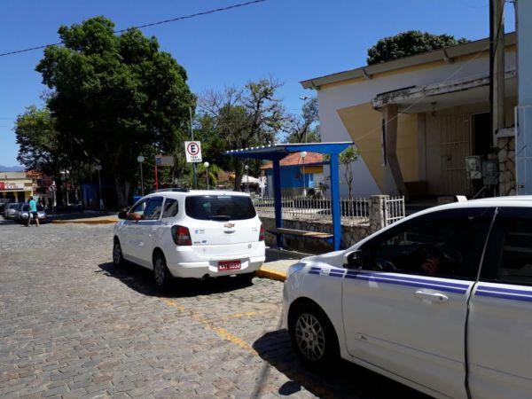 Onde embarcar: Um dos pontos de táxi, na Avenida Nossa Senhora do Rosário, no Centro