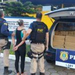 Mulher presa pela PRF, estava em carro que continha drogas