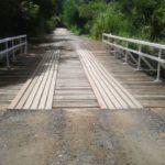 Passagem: Ponte do bairro Jardim das Rosas é reformada e liberada para os moradores (Foto: Divulgação)