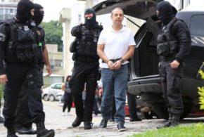 Moro pede que PF justifique uso de algemas na transferência de Cabral