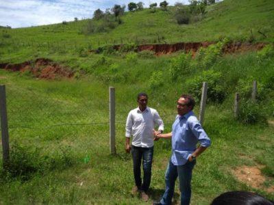De perto: Deley visitou bairros de Barra do Piraí que necessitam de obras - Divulgação