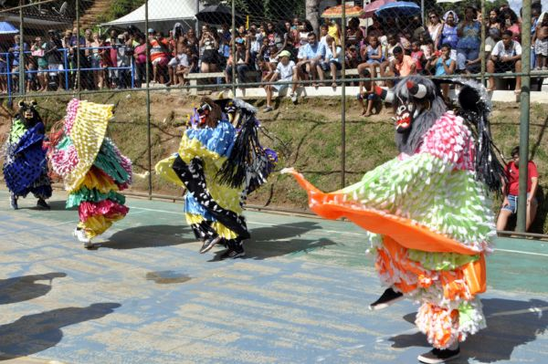 Cultura: Evento contou com a participação de aproximadamente 15 grupos de Folia de Reis tanto de Barra Mansa como das cidades vizinhas e do estado de Minas Gerais (Foto: Paulo Dimas)