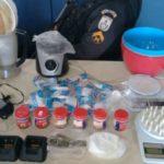 Drogas apreendidas em casa abandonada e arrombada