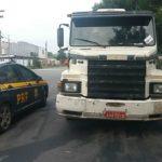 PRF liberta caminhoneiros e  recupera carga roubada (crédito PRF)
