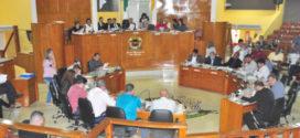 Samuca discursa na sessão de instalação do  ano legislativo na Câmara de Volta Redonda