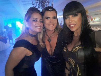 As lindezas de Vanessa Gonçalves, Michelle Marczuk Schettino e Rosane Faria, levaram muito alto astral na pista do Carná Folia