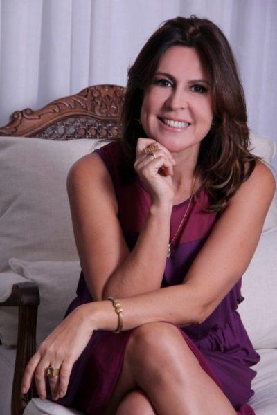 A agente de viagens, Patrícia Leal  estará coordenando o Encontro de dentistas Formados pela Faculdade de Odontologia de Campos, quarenta anos depois, será no paradisíaco Club Méd, Rio das Pedras