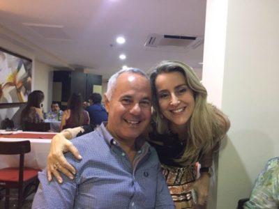 Os oftalmologistas  Miguel Allemand Zaidan e Elba Ferrão (aniversariante do dia)