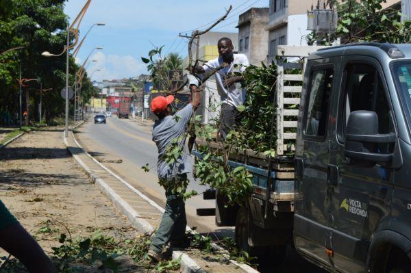 Equipes do município com mais de 100 homens trabalharam na desobstrução da pista de caminhada e ciclovia - Divulgação