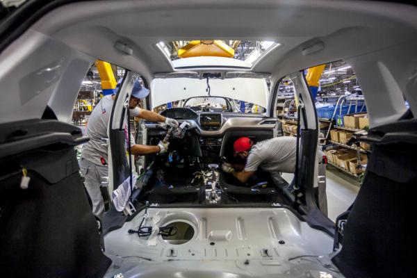 Estratégia: PSA Peugeot Citroën exportou mais veículos do que vendeu no mercado interno (Foto: Arquivo)