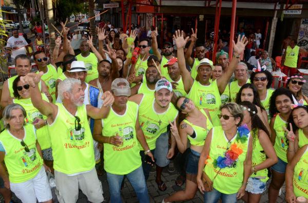 'Que horas passa o Vicentina?': Grupo é responsável por encerrar a folia em Resende (Fotos: Divulgação)