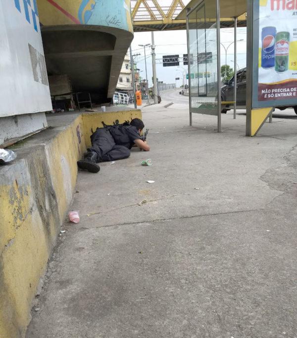 Adolescente morre baleado no Complexo da Maré