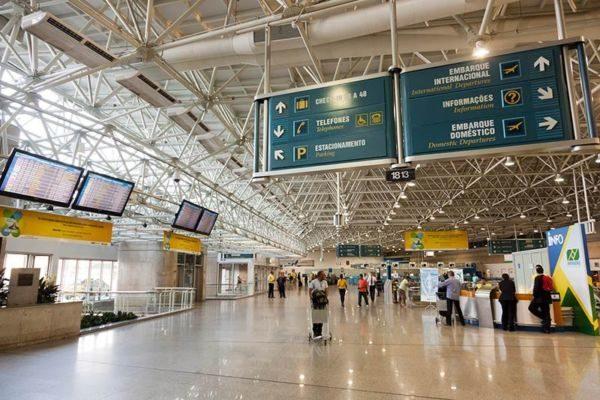 Foram transportados em voos dentro do país 90.626.847 milhões de passageiros