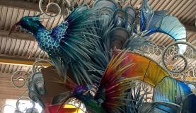 Detalhe de uma alegoria que a Beija-Flor levará este ano para a avenida - Cristina Índio do Brasil/Agência Brasil