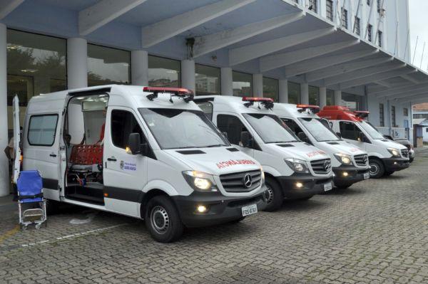 Novas: Uma ambulância atenderá o Samu e as outras três serão da Central de Ambulâncias