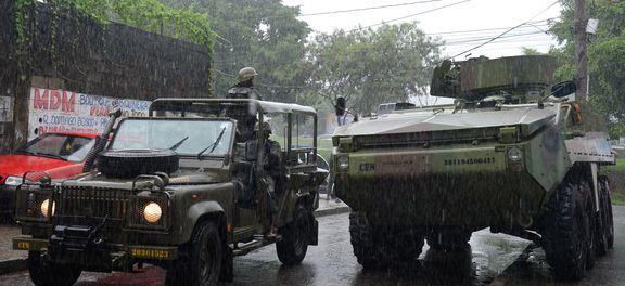 Operação conjunta das Forças Armadas e as polícias Civil e Militar, no Rio, nesta manhã. (crédito AB)